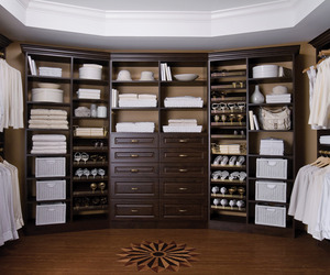 Organize-your-closet-with-easy-closets-m