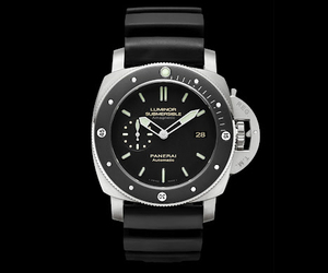 Panerai-pam-389-luminor-submersible-2-m