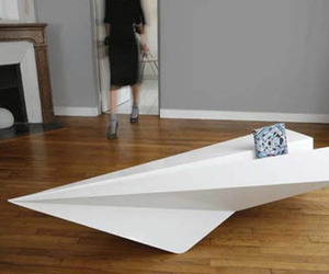 Paper-plane-coffee-table-m