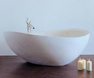Papillon-stone-bathtub-stone-forest-m