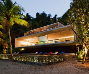 Paraty-house-by-marcio-kogan-m