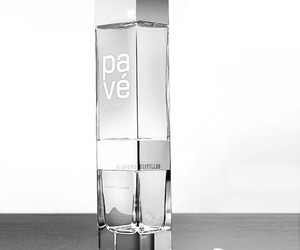 Pave The Luxury Liqueur, Distilled Through Diamonds.