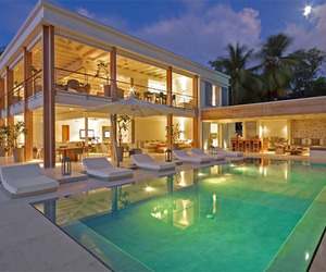 Peaceful-retreat-on-the-tropical-waters-of-barbados-m