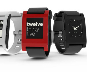 Pebble-e-paper-watch-for-iphone-and-android-m