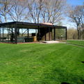 Philip-johnsons-glass-house-s