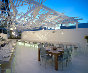Phos-restaurant-by-lmarchitects-m