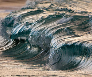 Pierre-carreau-photographs-waves-m