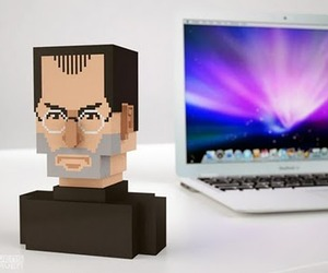 Pixel-steve-jobs-bust-m