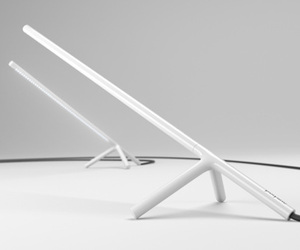 Polyline-desk-lamp-by-dustin-brown-m