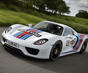 Porsche 918 Spyder x Martini Racing