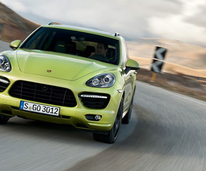 "Porsche Pulls the Wraps Off the ""Purist"" Cayenne"