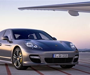 Porsches-550hp-panamera-turbo-s-m