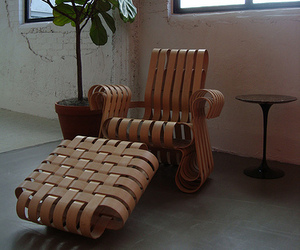 Power-play-chair-and-ottoman-m
