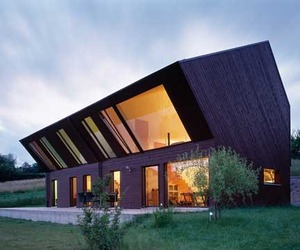 Prefabricated-crooked-house-m
