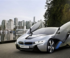Production-bound-i8-is-a-glimpse-into-bmws-future-m