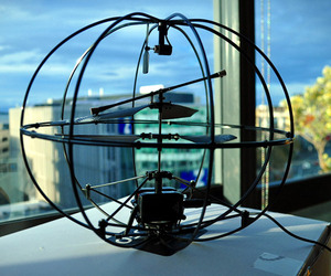 Puzzlebox-brain-controlled-helicopter-m
