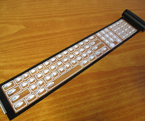 Qii-wireless-keyboard-rolls-up-into-a-pocket-sized-case-m