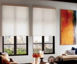 Qmotion-wireless-motorized-roller-shades-m