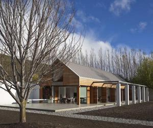 Queenstown-house-by-bedmar-and-shi-m