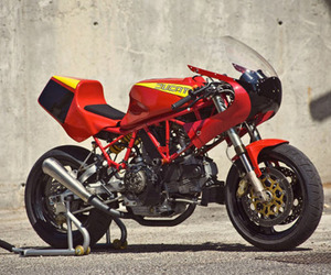 Radical-ducati-900-ss-m