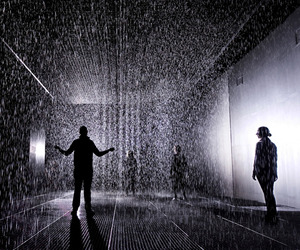 Rain-room-installation-by-randon-international-at-moma-m