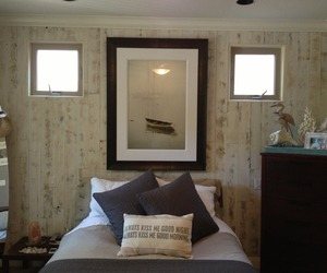 Reclaimed-weathered-wood-white-bedroom-wall-m