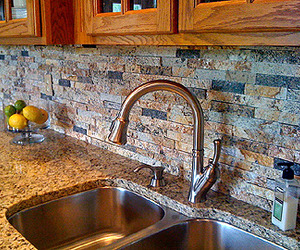 Recycled-granite-split-stone-backsplash-m