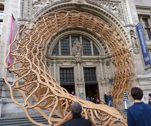 Red-oak-wave-entrance-for-v-a-museum-london-m