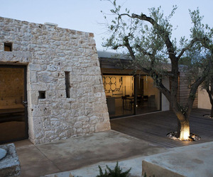 Renovation-of-a-trullo-in-italy-by-luca-zanaroli-architetto-m