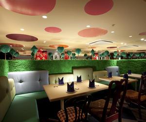 Restaurant-alice-in-wonderland-in-tokyo-m