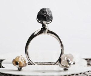 Ring-with-rough-diamonds-m