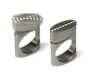 Rings-that-rock-and-roll-kinetic-jewelry-by-michael-berger-m