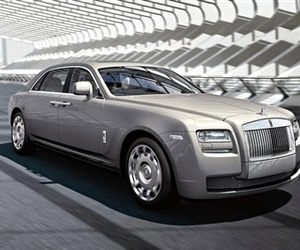 Rolls-royce-reveals-the-ghost-extended-wheelbase-m