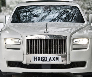 Rolls-Royce Revises the Ghost