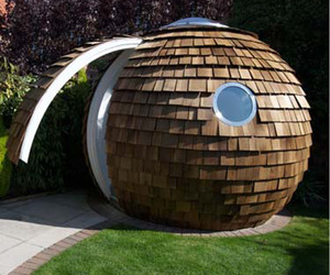 Round-and-radical-prefab-office-pod-m