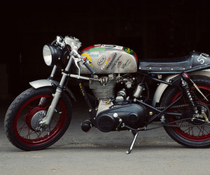 Royal-enfield-bullet-the-badger-m