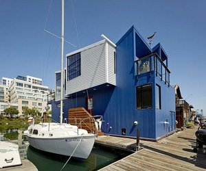 San-francisco-floating-house-by-robert-nebolon-architects-m