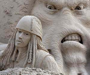 Sand-sculpture-festival-in-england-m