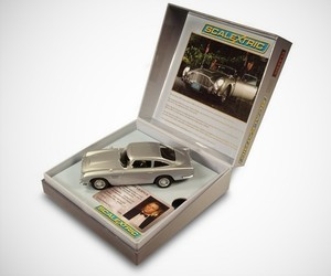 "Scalextric James Bond Car ""Aston Martin DB5″ Collectable"