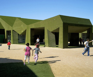 School-covered-in-grass-by-estudio-huma-m