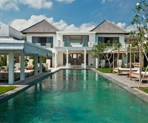Sensational ocean-side Villa Ombak Putih in Bali