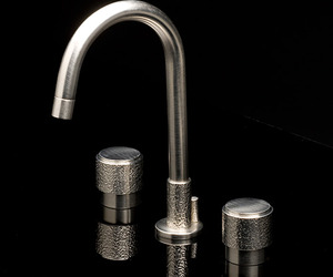 Sense27-faucet-collection-by-watermark-designs-m