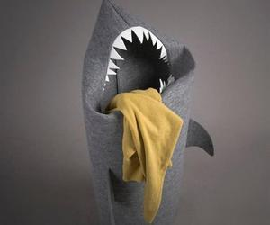 Shark-laundry-hamper-m
