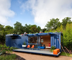Shipping-container-guest-house-by-poteet-architects-m