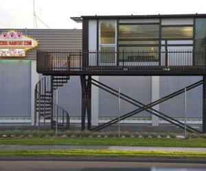 Shipping-container-house-by-one-cool-habitat-m