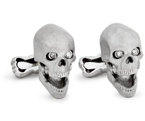 Skull-cufflinks-with-diamond-eyes-m