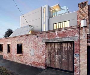 Sleek-industrial-interiors-creates-breathtaking-home-m