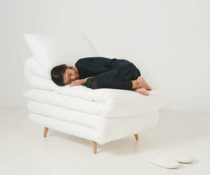 Sleepy-chair-by-daisuke-motogi-architecture-m