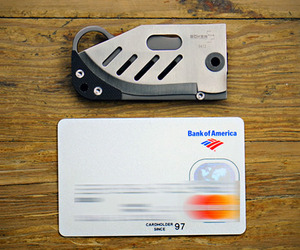Small-credit-card-knife-by-boker-m