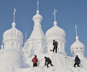Snow-world-festival-opens-in-china-m
